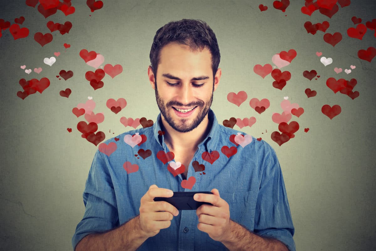 Home » Online Dating Tips » Online Dating Tips for Men (That Work!)