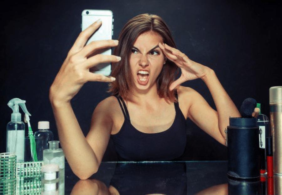 woman taking a bad selfie